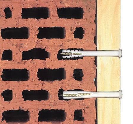 Как повесить что-нибудь, если стены из пустотелого кирпича